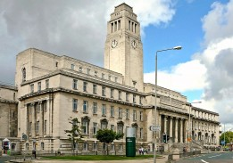 Leeds Universiteti